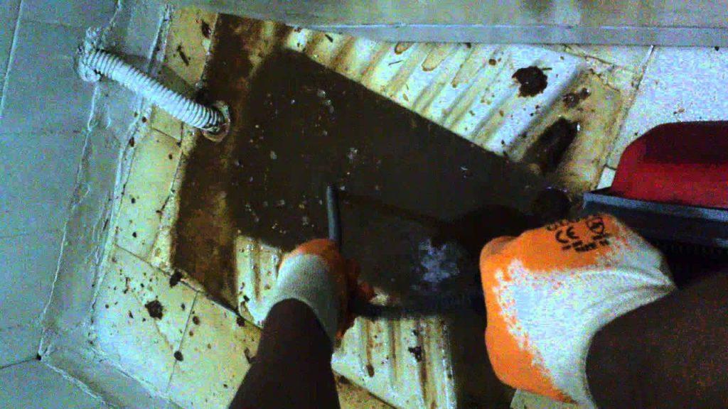 Kanalizasyon borusu açma